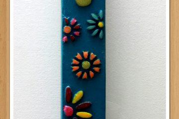 יודאיקה 17 – מזוזה בהבלטה – פרחים