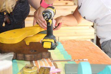 עבודה עם כלים חשמליים